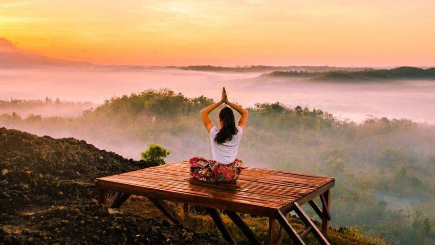 Yogaresan må vara bra för själen men dålig för klimatet